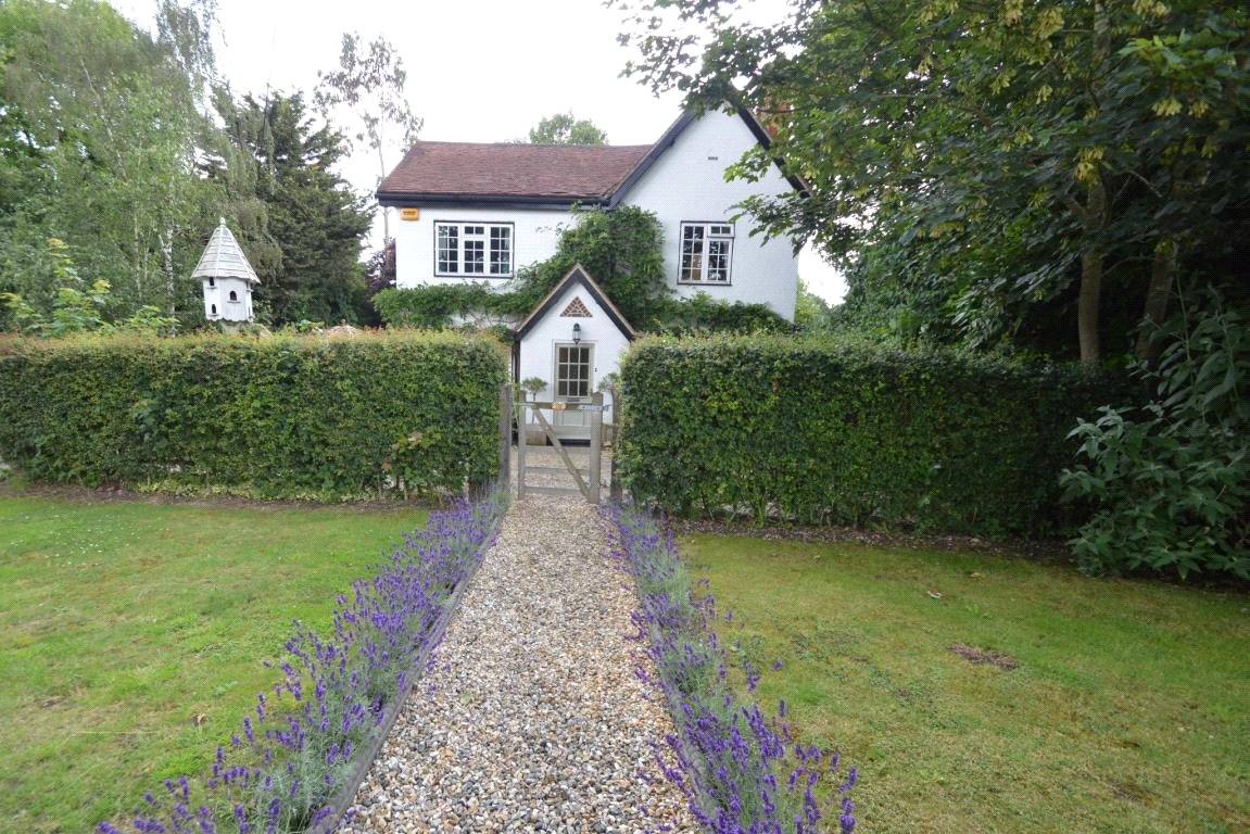 Property for sale | 4 Bedroom  House property in Swallowfield, Berkshire, RG7 |  |