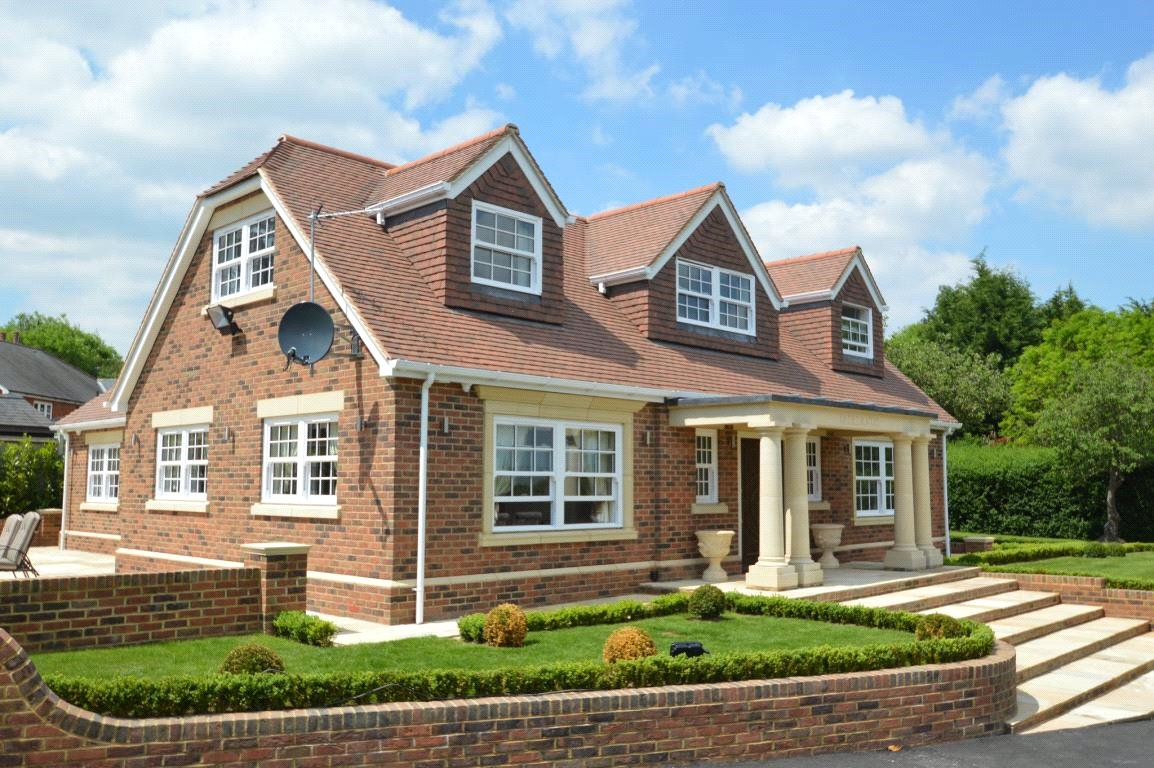 Property for sale | 4 Bedroom  House property in Farley Hill, Berkshire, RG7 |  |