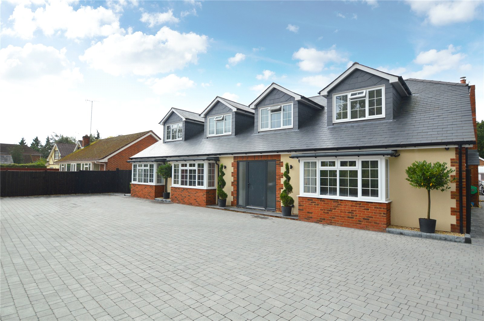 Property for sale | 6 Bedroom  House property in Finchampstead, Berkshire, RG40 |  |