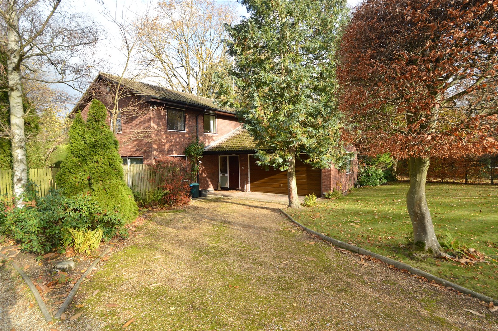 Property for sale | 4 Bedroom Detached House property in Wokingham, Berkshire, RG41 |  |